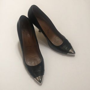 Donald J Pliner black pumps with silver toe